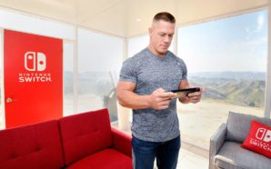 John Cena tenant une Nintendo Switch
