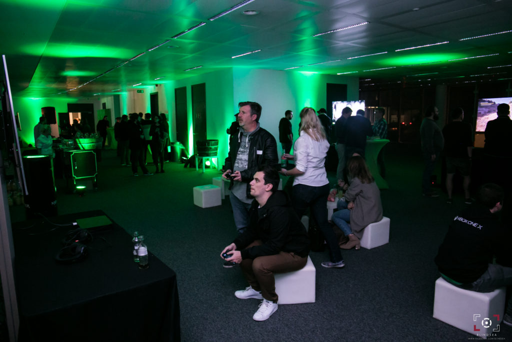 XBOX ONE X PARTY